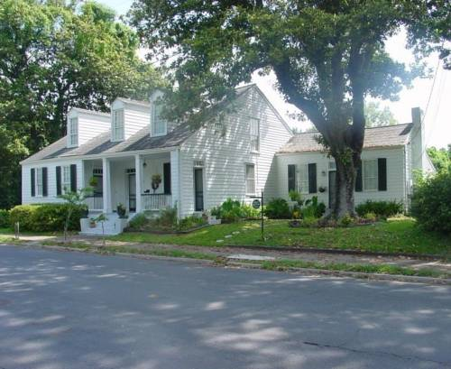 Magnolia Cottage Bed and Breakfast Cover Picture