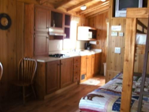 Bend-Sunriver Camping Resort Studio Cabin 6 Cover Picture