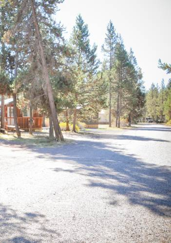 Bend-Sunriver Camping Resort Two-Bedroom Cabin 7 Cover Picture