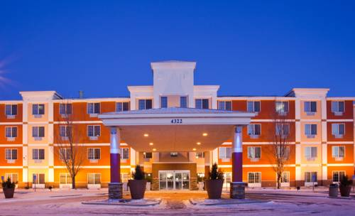 Holiday Inn Express and Suites St. Cloud Cover Picture