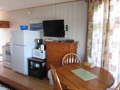 Clipper Shipp Beach Motel Cover Picture