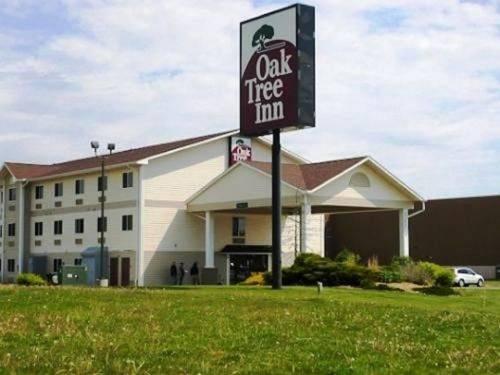 Oak Tree Inn Clinton Cover Picture