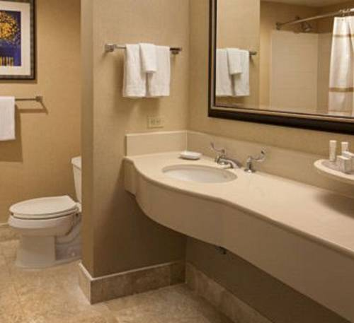 Comfort Inn & Suites Airport and Expo Louisville Cover Picture