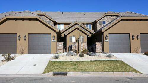 Escape to this beautiful 4 bedroom 3 bath St. George, Utah Cover Picture