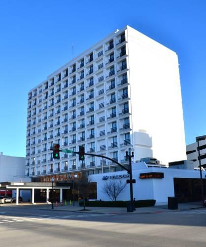 Pullman Plaza Hotel Cover Picture