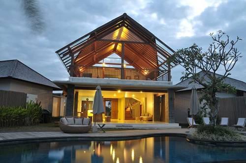 Water Edge Villa by soscomma Cover Picture