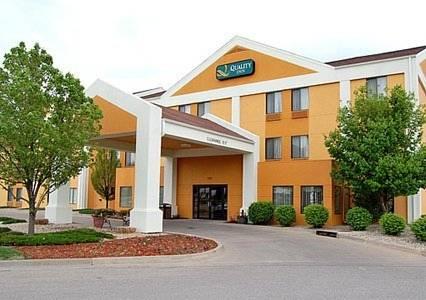 Quality Inn & Suites Manhattan Cover Picture