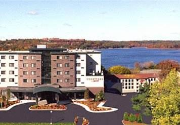 Courtyard by Marriott Boston Waltham Cover Picture