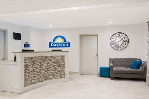 Days Inn & Suites Sellersburg Cover Picture