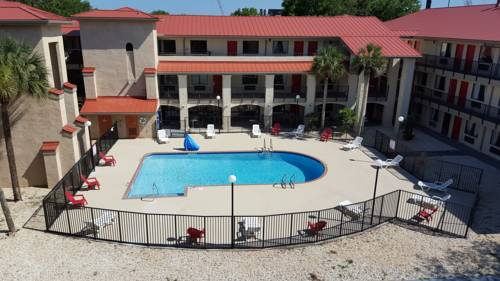 Tricove Inn & Suites Cover Picture