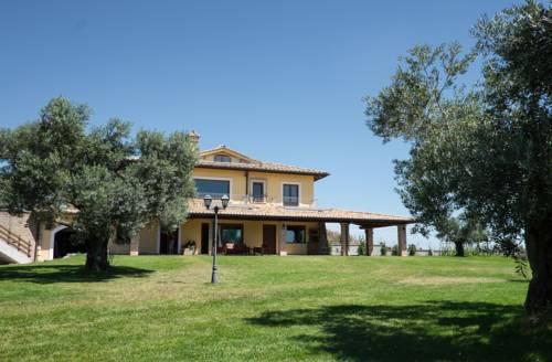 Villa Nadia Cover Picture