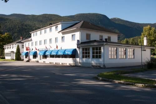 Thoen Hotel Cover Picture