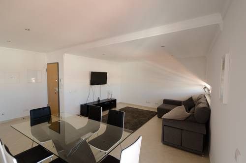 Modern 2 Bed Apart. 5km Carvoeiro Cover Picture