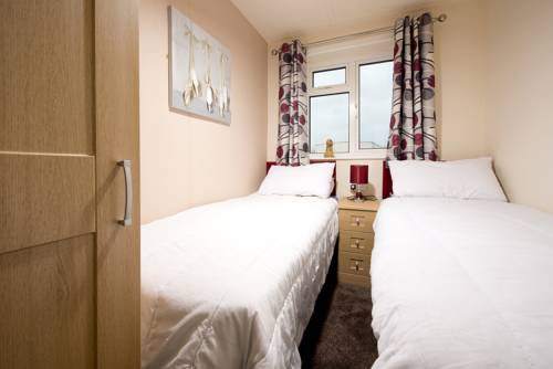 Sandy Glade Holiday Park Cover Picture