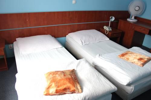 Motel Port 2000 Cover Picture