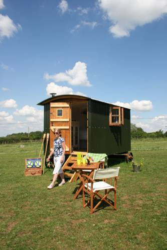 Snuggly Tin Shepherd Hut Cover Picture