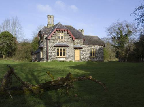 Ballealy Cottage Cover Picture