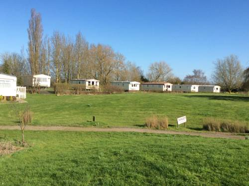 Fenlake holiday accommodation Cover Picture