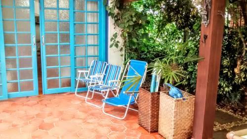 Casa - Edícula Cover Picture