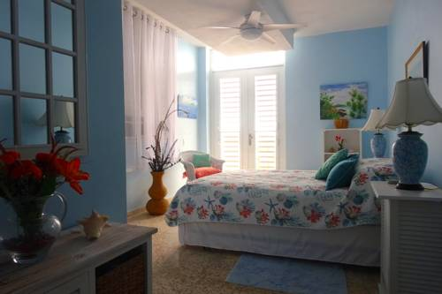 A Seascape Guest Room Cover Picture