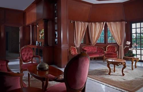 Alun Alun Resort Cover Picture