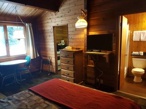 Rundle Mountain Lodge Cover Picture