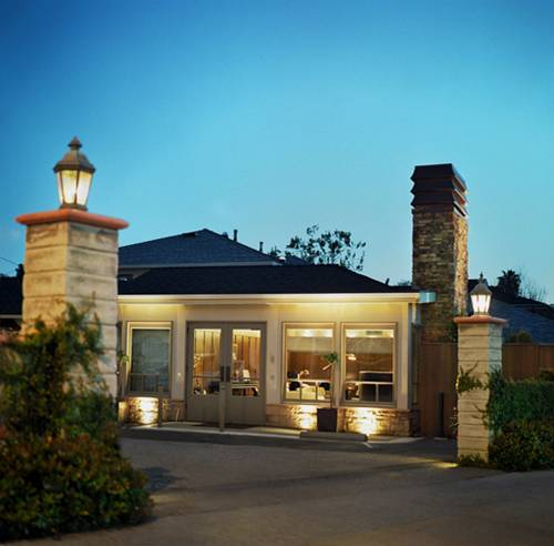 Brentwood Inn Cover Picture