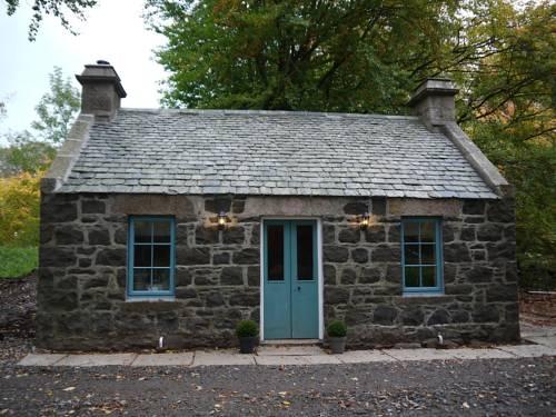 Unique Hideaway Cottage Cover Picture