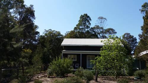 Di's Cabin in Dwellingup Cover Picture