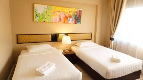 Taris Art Hotel Phrae Cover Picture