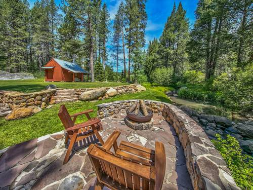 Creekside Mountain Retreat in Truckee Cover Picture