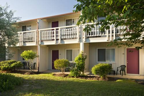 Wellfleet Motel & Lodge Cover Picture