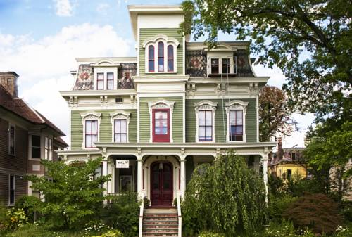 Hudson City Bed and Breakfast Cover Picture