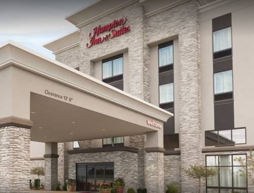 Hampton Inn & Suites Kenosha Cover Picture