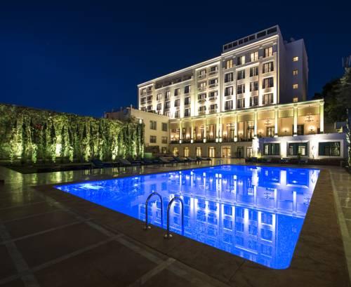 Le Casablanca Hotel Cover Picture