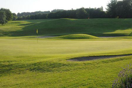 L'empereur Golf Club - La Hutte Course Cover Picture