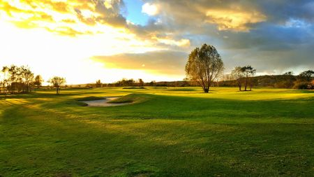 Golf Course Zawarcie Cover