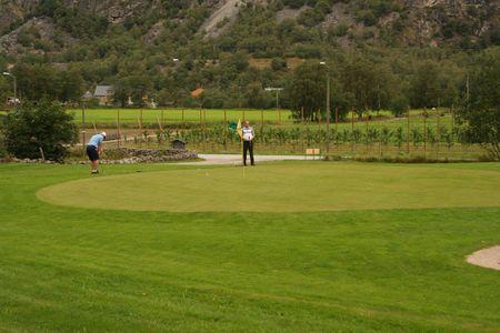Laerdal Golfklubb Cover Picture