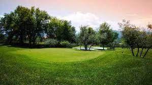Cri Cri Golf Club Cover Picture
