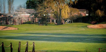 Cambridge Golf Club Cover Picture