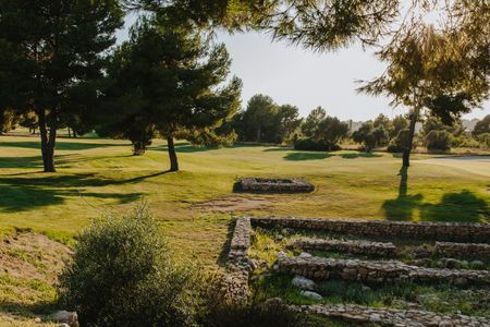 Infinitum Golf - Ruins   Cover Picture