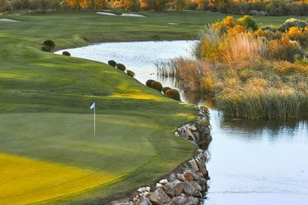 Infinitum Golf - Lakes Cover Picture
