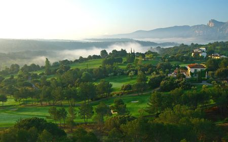 The Perfect Golf Trip to the Côte d'Azur Cover Picture
