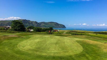 Llandudno maesdu golf club post image
